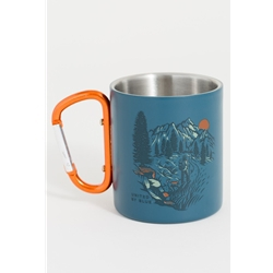 United By Blue Passing Through 10Oz Stainless Steel Carabiner Cup är en mugg med karbinhandtag.